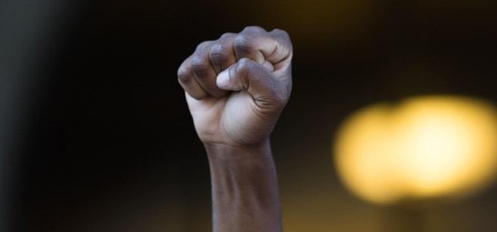 Racismo é crime. E daí - por Edson de Oliveira