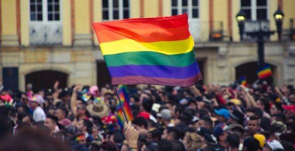 Em podcast, Grupo Comunique-se faz entrevista sobre orgulho LGBTQIA+