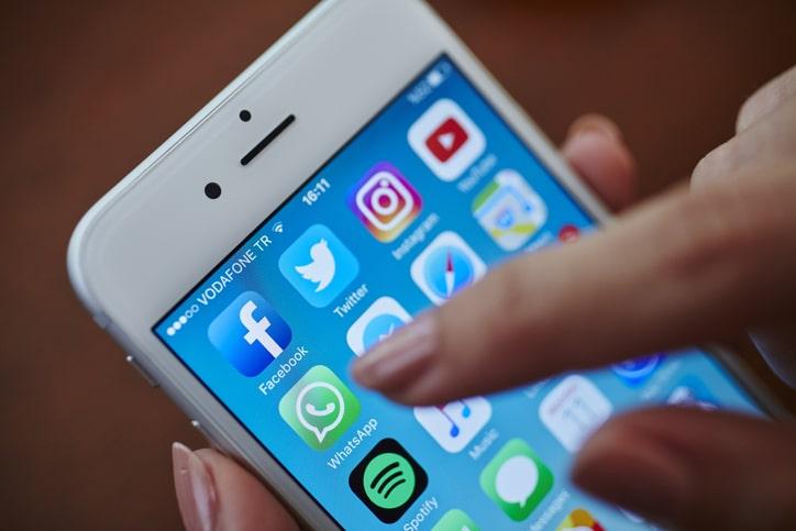 Imprensa brasileira usa WhatsApp de forma limitada e perde oportunidade de gerar receita - whatsdependência