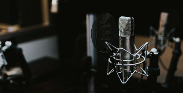 microfone - âncora & apresentador - prêmio comunique-se 2021