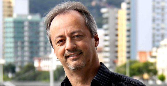 Luta contra a Covid-19: jornalista deixa a UTI após mais de 100 dias