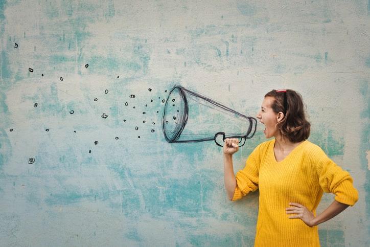 A eficácia do marketing boca a boca em uma sociedade hiperconectada