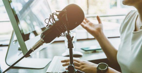 Curso gratuito busca ensinar jornalistas do Norte e Nordeste a produzirem podcast